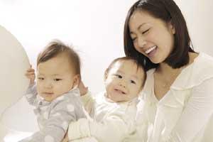 薬を使わずに産後うつを治療した母親